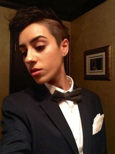 Women in suit #lesbian chic #fashion Tomboy Girl, Super Short Hair, Androgynous Fashion, Attractive People, Outfit Goals, Girl Style, My Style, Dapper, Lesbian