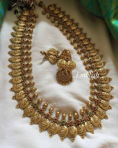 Pearl Necklace Designs, Gold Earrings Designs, Necklace Set, Beaded Necklace, Gold Necklace, Bridal Jewelry Vintage, Wedding Jewelry Sets, Gold Temple Jewellery, Antique Jewellery Designs