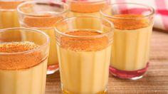 CURAU: - 2 latas de milho verde - 3 xícaras (de chá) de leite - Meia xícara (de chá) de açúcar - 5 colheres (de sopa) de amido de milho - 1 colher (de sopa) de margarina - Canela MODO DE PREPARO: Bata o milho e o leite no liquidificador até obter uma mistura homogênea. Em uma panela, peneire a mistura e adicione o amido de milho, o açúcar e a margarina. Leve ao fogo médio, mexendo sempre, até engrossar. Depois, retire do fogo e distribua em 12 tigelinhas ou copos. Candy Recipes, Sweet Recipes, Dessert Recipes, Brazil Food, Confort Food, Delicious Desserts, Yummy Food, Food Wishes, Caribbean Recipes
