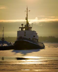 Bore the icebreaker by Alexander Arntsen on 500px