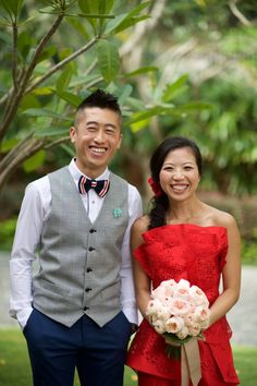 We're switching gears today with a feature that is quirky and overflowing with personality! Sandy and Vincent's running-themed wedding captured by KC Chan Photography is as fun as they get.