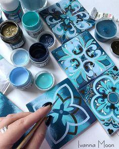 Mandala Painting, Dot Painting, Ceramic Painting, Mandala Art, Ceramic Art, Pottery Painting Designs, Glue Art, Moon Decor, Moon Photography