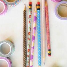 crayons décorés avec du masking tape pour repérer MES stylos :)