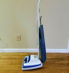 Eureka Vibra Groomer II Edge Clean Upright Vacuum Cleaner Model Vtg As Is Eureka Vacuum, Vacuum Cleaners, Vacuums, Home Appliances, Cool Stuff, Vintage, House Appliances, Kitchen Appliances, Appliances