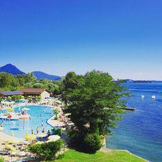 🏞️ Mit diesem traumhaft schönen #panorama von unserem #camping #isolino am #lagomaggiore wünschen wir euch ein schönes Wochenende #vacansoleil #premiumcamping #glamping #luxusurlaub #camping #campen #italien #traumurlaub #campingplatz #luxuscamping #i