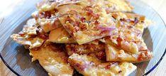 Flammkuchen met rode ui, gebakken spekjes en kaas Food N, Food And Drink, Tapas, Home Recipes, Healthy Recipes, Healthy Food, Pita Wrap, Pizza, Brunch