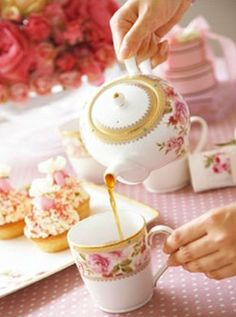 Rose Tea Cottage - Fun and Pretty website.  Has some beautiful photos and some recipes.