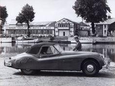 """Jaguar XK 140 (1955) publicité """"Black & White Jaguar"""" - Facebook"""