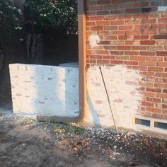 Home Renovation Exterior Mortar Smear (German Smear) Exterior of Home: How To and Pictures! Exterior Colors, Exterior Paint, Exterior Design, Home Renovation, Home Remodeling, White Wash Brick, The Ranch, House Painting, Painting Brick