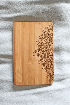 Wood Burning ** You need a kitchen board? A wooden picture for the wall? Wood Burning Crafts, Wood Burning Patterns, Wood Burning Art, Wood Patterns, Wood Burn Designs, Wood Design, Pyrography Designs, Got Wood, Wooden Picture