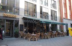 Am schönen Gendarmenmarkt befindet sich die Brasserie in der man sich in ansprechendem Ambiente mit verschiedensten Köstlichkeiten verwöhnen lassen kann.