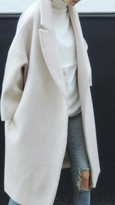 My total dream white trench jacket for winter.  Oversized and warm for winter. #winterstyle #streetstyle