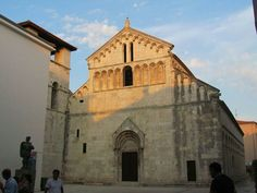 Facciata della Chiesa di San Crisogono a Zara. 1175.