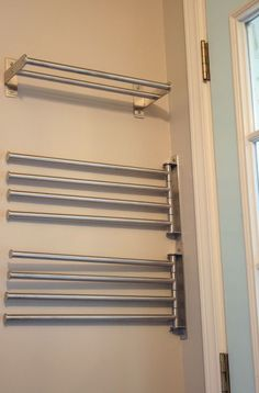 30 perfekte Wäscherei hängen Rack Ideen - Laundry Room - Wedding Make Up - DIY Jewelry Easy - Hairstyle For Medium Length Hair - DIY Kid Room Ideas Laundry Room Drying Rack, Laundry Room Tile, Drying Room, Garage Laundry, Drying Rack Laundry, Tiny Laundry Rooms, Laundry Room Shelves, Laundry Room Remodel, Laundry Room Cabinets