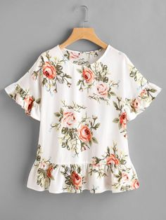 SheIn offers Flower Print Frill Trim Top & more to fit your fashionable needs. Love Fashion, Girl Fashion, Fashion Outfits, Blouse Patterns, Blouse Designs, Top Chic, Floral Tops, Diy Clothes, Clothes For Women