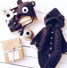 Watch This Video Incredible Crochet a Bear Ideas. Cutest Crochet a Bear Ideas. Crochet For Boys, Knitting For Kids, Baby Knitting, Crochet Coat, Crochet Yarn, Baby Boy Cardigan, Baby Cocoon, Newborn Crochet, Baby Sweaters