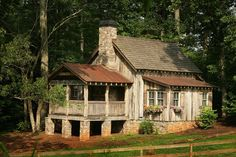 Rental cabins just outside Asheville. Indoor and outdoor fireplaces, jacuzzi tub, kitchen with dishware provided, linens provided, wireless internet  $1386 + tax for week stay!