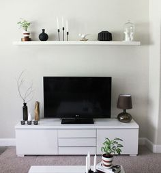 Best White Small Apartment Living Room Color Schemes and Living Room Color Ideas. Best White Small Apartment Living Room Color Schemes and Living Room Color Ideas. Small Living Rooms, Small Living Room Decor, Modern Room, Living Room Sets, Ikea Living Room, Small Apartment Living, Small Apartment Living Room, Tv Sideboard, Living Room Tv