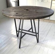 piffad kabeltrumma Shelf Furniture, Pipe Furniture, Outdoor Furniture, Outdoor Decor, Ikea Round Table, Ikea Desk Legs, Lerberg Ikea, Ikea Living Room, Ikea Hackers