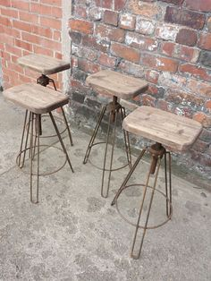 Industrial Hair pin leg stool. Adjustable by MadeInTheCellar