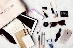Chriselle Lim whats in my bucket bag What's In My Purse, Whats In Your Purse, What In My Bag, What's In Your Bag, Fashion Bags, Fashion Accessories, Women's Fashion, Inside My Bag, Coach Bags Outlet