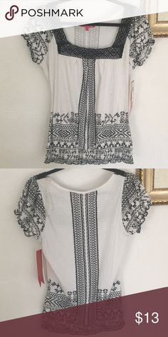 Black & White Top Stretchy fabric, never been worn, still has tag almost famous Tops Famous Black, Black And White Tops, Almost Famous, Best Deals