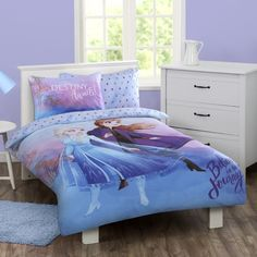 Transform your little one's bedroom into a Frozen retreat with the Frozen 2 Cotton Rich Quilt Cover Set. Frozen Bedroom Decor, Disney Frozen Bedroom, Frozen Room, Disney Bedrooms, Bedroom Themes, One Bedroom, Dream Bedroom, Girls Bedroom, Paw Patrol