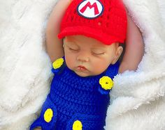 Crochet baby diaper cover with suspenders-bow por LittlestPropShop