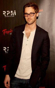 He plays Tom Keen on The Blacklist. He's sooooooo cute. How To Look Better, That Look, The Blacklist, Male Eyes, Benedict Cumberbatch, Im In Love, Gentleman, Movie Tv, Eye Candy