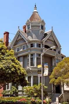 San Francisco Victorian - National Register #73000438: Haas-Lilienthal House