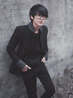 Korean Ulzzang Boys - Models male Style/Trends/Look Hair cut and Teen Boy Fashion, Little Boy Fashion, Ulzzang Fashion, Asian Fashion, Asian Boys, Asian Men, Pretty Boys, Cute Boys, Estilo Dark