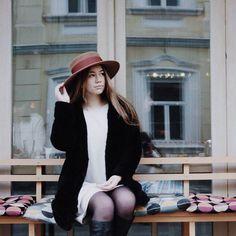 Доброе утро! Желаем Вам чудесных солнечных выходных ✨  На Лере необыкновенная шляпа #Milan из 💯 % пуха кролика  ❗️стоимость: 12 000₽✔️  -  📞Заказ можно сделать в Директ или What's App +7(905)554 66 99 +7(903)747 35 60  🌎Доставка по всему миру  📞For any inquiries contact us WhatsApp +7(905) 554 66 99 and +7(903) 747 35 60  🌎Worldwide delivery   #Constante #Hat #ConstanteHats #Milan
