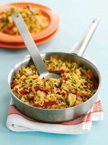 Looking for mid-week supper inspiration? Try our speedy one-pot spicy chicken rice, ready in just 30 mins! Spicy Chicken And Rice Recipe, Chicken Rice Recipes, Spicy Rice, 500 Calorie Dinners, Dinners Under 500 Calories, Healthy Rice Recipes, Cooking Recipes, Cooking Ideas, Middle Eastern Recipes
