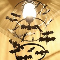 Diy halloween diy spooky bat chandelier diy halloween decor 100 cheap and easy halloween decor diy ideas solutioingenieria Choice Image