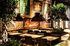 The lobby market. Restaurante en la Gran Via de Madrid. Ofrece platos con influencias mediterránea, japonesa y europea llevadas a cabo por el chef José Ramón Landrin