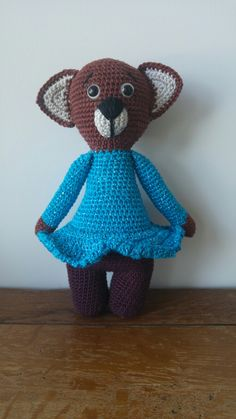 Crochet, 100% cotten, 26 cm.
