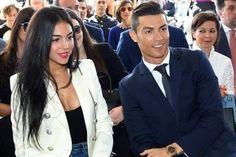 Banh 88 Trang Tổng Hợp Nhận Định & Soi Kèo Nhà Cái - Banh88.infoTin Tuc Bong Da -  (Kenhthethao)- Georgina Rodriguez và Ronaldo đang rục rịch chuẩn bị đám cưới và đón đứa con chung đầu lòng của cả hai. Rất nhiều người không khỏi tò mò cô gái sinh năm 1995 này có cuộc sống thế nào trước khi gặp gỡ siêu cầu thủ người Bồ Đào Nha.  Georgina đang trong thời gian chờ ngày lâm bồn. Theo El Mundo tiết lộ thì Ronaldo đã tính chuyện làm đám cưới với cô. Thậm chí trang tin này cho rằng đám cưới của cả…