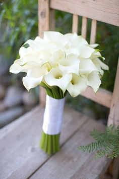 white calla lily wedding bouquet via Erica Velasco Photographers / http://www.himisspuff.com/spring-summer-wedding-bouquets/ #weddingbouquets