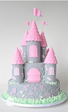 Best Castle Birthday Cakes Ideas And Designs Castle Birthday Cakes, Cool Birthday Cakes, Birthday Cake Girls, 4th Birthday, Birthday Ideas, Fancy Cakes, Cute Cakes, Piggy Cake, Occasion Cakes