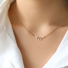 NEW Necklace Leaf branch Aligned Feminine Necklace Bar Necklace Flower Pendant D. NEW Necklace Leaf branch Aligned Feminine Necklace Bar Necklace Flower Pendant Dainty Necklace Deli Minimal Jewelry, Simple Jewelry, Fine Jewelry, Silver Jewelry, Jewelry Making, Dainty Jewelry, Dainty Necklace Silver, Silver Ring, Jewelry Art