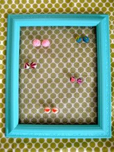 DIY design for a creative and functional earring holder