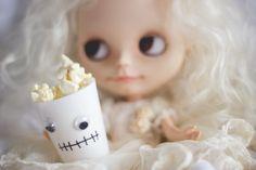 Melina Souza - Serendipity <3  http://melinasouza.com/2015/10/08/5-filmes-de-terror-para-assistir/  #Blythe #Movies #Doll #MelinaSouza #Halloween