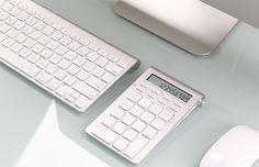 Satechi Bluetooth Smart Keypad http://coolpile.com/gear-magazine/satechi-bluetooth-smart-keypad-imac-macbook-mac-mini/ via coolpile.com by @Satechi  #Aluminum #Apple #Bluetooth #Cool #iMac #Keyboard #MacBook #Office #coolpile