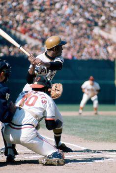 Elrod Hendricks catching, Roberto Clemente at bat, Brooks Robinson at 3rd during 1971 World Series.