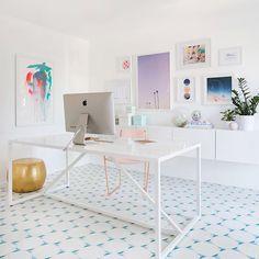 Simplesmente maravilhoso o escritório da @ohjoy Quem também amou? {pic @ohjoy} . . #cdaescritorios #escritorio #office #homeoffice #blogcasadasamigas