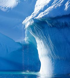✼ Iceberg ✼ Frozen Monster looks like it wants to eat another ship ✼ Nature Pictures, Cool Pictures, Beautiful Pictures, Terre Nature, Beautiful World, Beautiful Places, Landscape Photography, Nature Photography, Winter Schnee