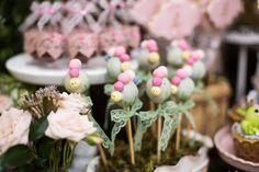 Este e um tema que nuna sai de moda para as meninas. Olha que amor esta Festa Jardim. Decoração Park's Decorações. Lindas ideias e muita inspiração. Bj...