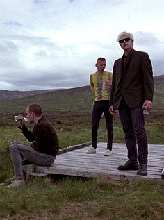 Ewan McGregor, Ewen Bremner Jonny Lee Miller in Trainspotting Sick Boy Trainspotting, Trainspotting Quotes, Renton Trainspotting, Jonny Lee Miller, Movie Shots, Pulp, Ewan Mcgregor, Great Films, Big Love