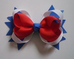 A nice hair bow to wear on the 4th of July!