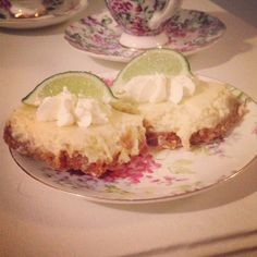 Cupcakes & Couture: Key Lime Pie Bars